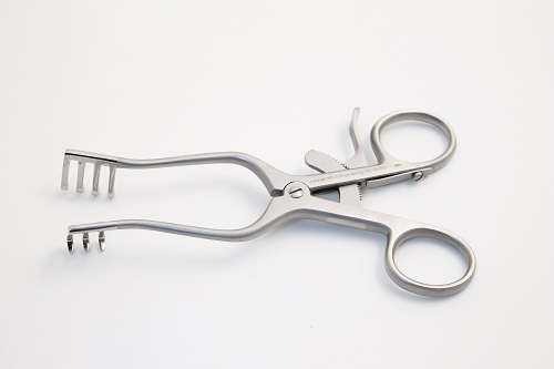Self Retaining Retractor